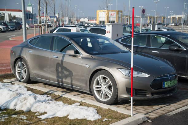 Илон Маск презентовал Tesla Cybertruck— новости мира / НВ